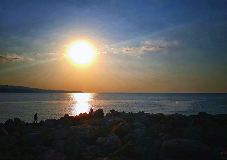 Посрещане на първите слънчеви лъчи по случай 1 Юли.